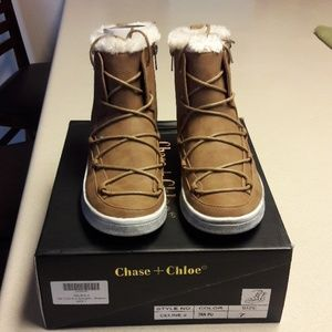 Women's Chase and Chloe sneaker